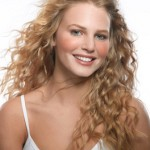 Diagonal cuts for curly hair with long hair